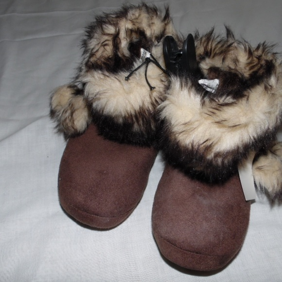 f98a27aa7 Faded Glory Shoes | Girls Slipper Boots 131 | Poshmark
